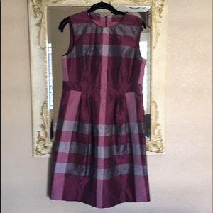 Burberry dress. Silk blend. Iridescent mauve/gray.